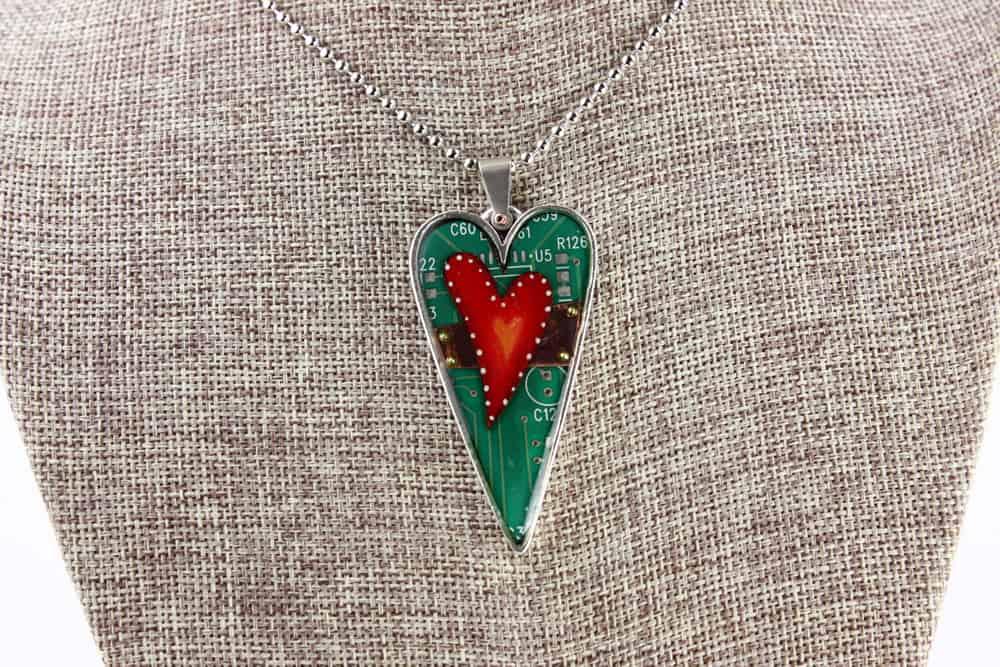 Unbroken Heart Pendant - Silver Heart 01